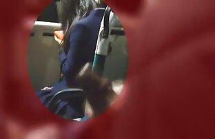 Seorang gadis seksi berambut coklat dengan download gratis bokep jepang bokong gundul.