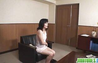 Gadis pirang suka download video sex japan gratis memukul satu dengan tangan.