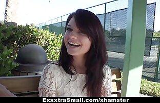 Pacar berambut coklat yang free download xxx jepang lucu suka membuka pakaian di depan kamera.
