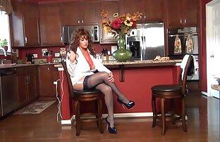 Redhead di download bokep jepang gratis corset akan menjilat